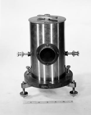 ballistic galvanometer with moving magnet