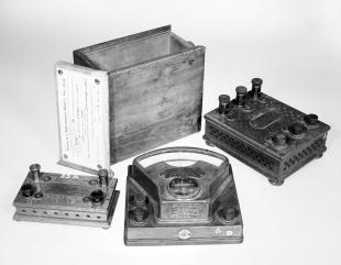millivoltmeter and case