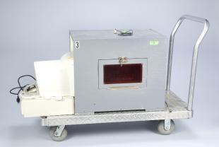 operant chamber for rats for use with touch-screen monitor