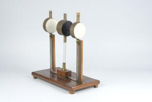 Ritchie's apparatus for the radiation of heat
