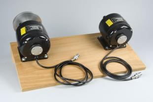motors (2) on board for Mach bands disks