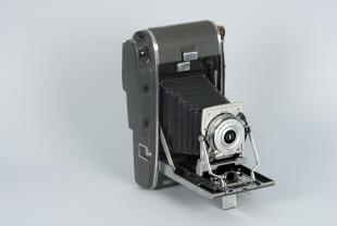Polaroid type 48 Polacolor roll film for model 120 camera