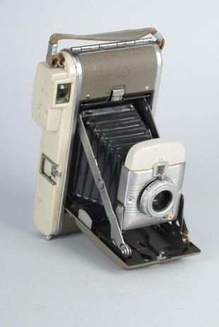 Polariod instant camera, Model 80A