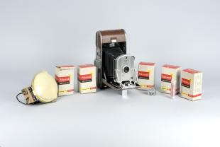 Polaroid type 42 PolaPan 200 roll film for model 95B Speedliner camera