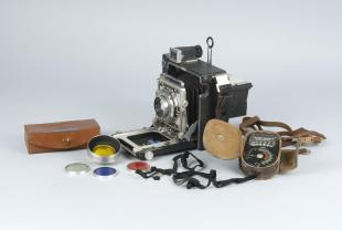Graflex Pacemaker Crown Graphic folding camera