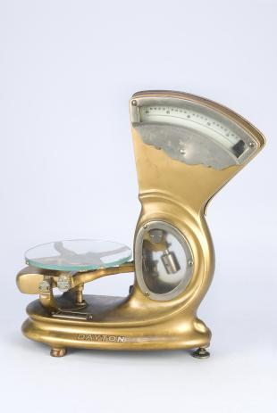 Dayton balance scale,with glass tray
