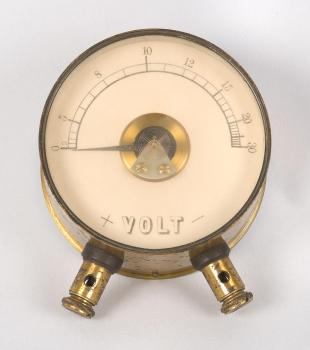 alternating current voltmeter