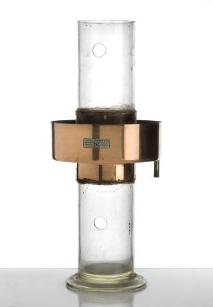 Hope's apparatus to show the maximum density of water