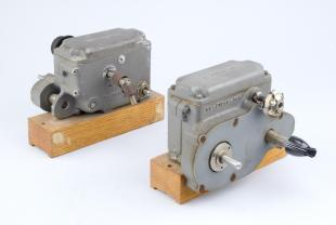 spare gearboxes (3) for marginal oscillator