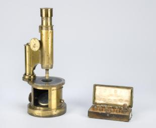 drum-type compound microscope