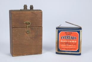 Eveready no. 703, 3 cell carbon-zinc battery