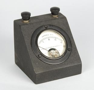 ammeter for use with Zeiss photomicrographic apparatus