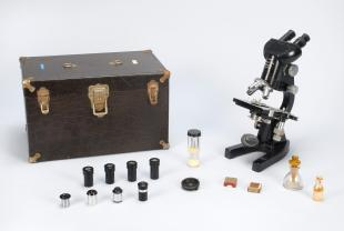 Leitz LMBI-T laboratory binocular compound microscope