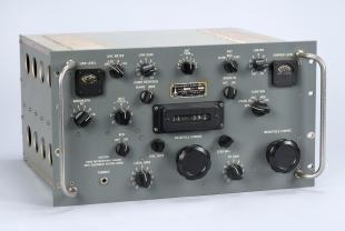 R-390A / URR radio receiver