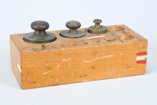 wood tray for weights with 5 weights
