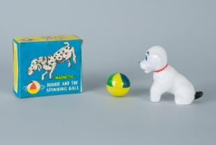 "physics toy: ""Magnetic Doggie and the Spinning Ball"""