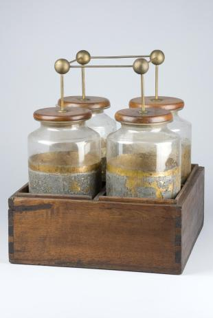 battery of four Leyden jars