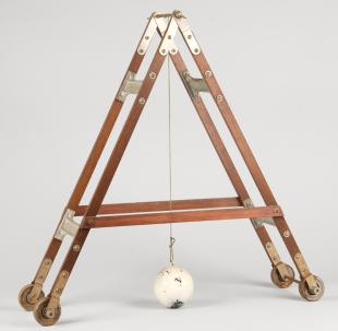 suspended ball demonstration apparatus