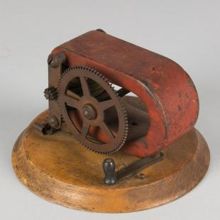 dynamo with hand crank