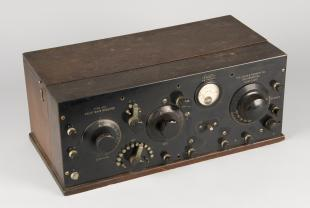 Kennedy type 281 broadcast and short wave receiver