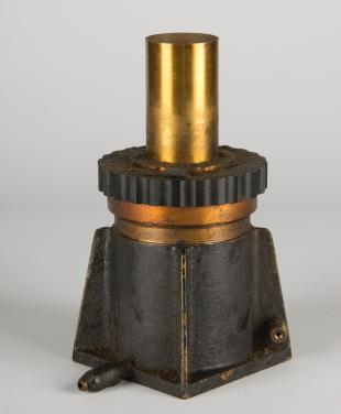 Chaffee quenched spark gap, oil-filled