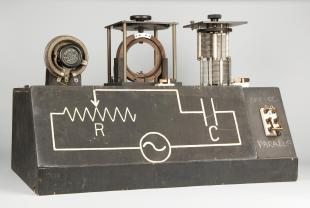 electrical circuit and radio demonstration model