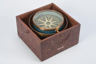 mariner's dry-card compass