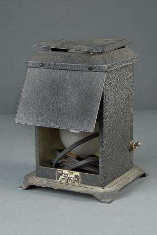 Spencer no. 361 chalet-type microscope lamp