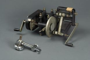 Spencer no. 880 automatic laboratory microtome