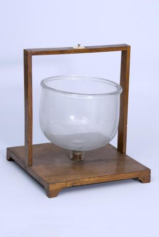 glass bell for the determination of acoustics nodes